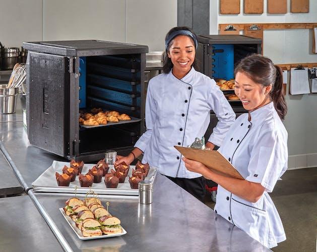 EPP4060F6R110 GoBox Front Loader w Chefs & Inventory
