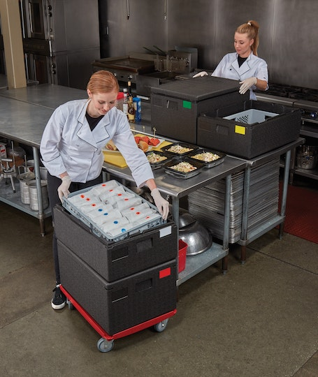 EPP160110 Cam GoBox Top Loader w Chefs Packing