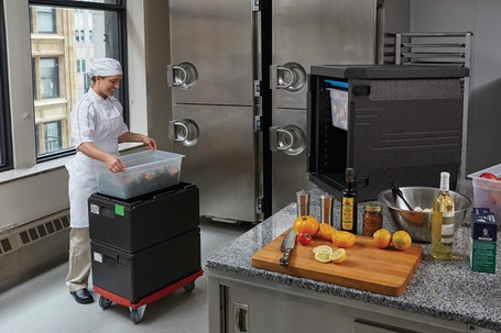 EPP180110 Cam GoBox Top Loader w Chef Loading