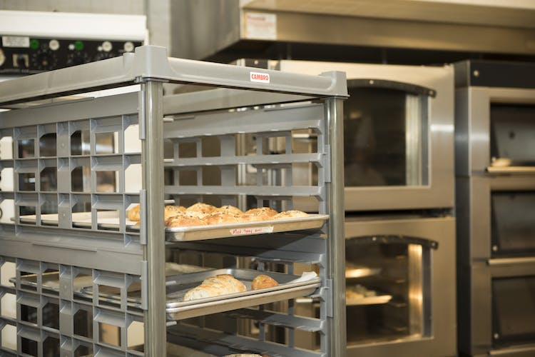 UPR1826FP20580 Full Size Ultimate Sheet Pan Rack w Bread